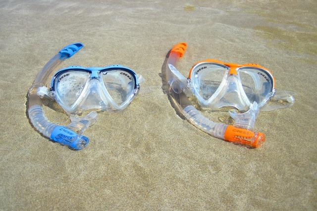ビーチとマスク